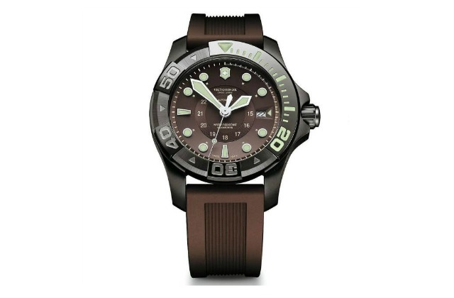 best_dive_watch_under_1000_Victorinox_Swiss_Army_Dive_Master_500